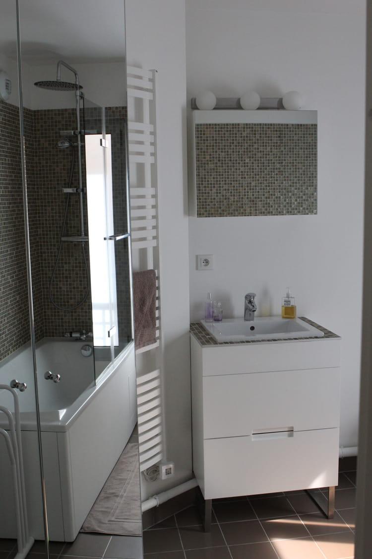 Salle de bains sur mesure salle de bains petite mais for Salle de bain sur mesure