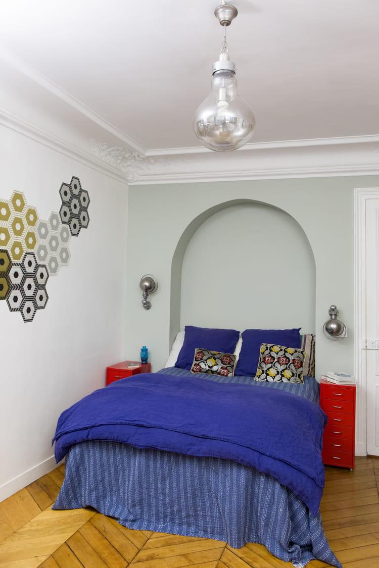 Une chambre actuelle un appartement vitamin aux accents for Deco chambre actuelle