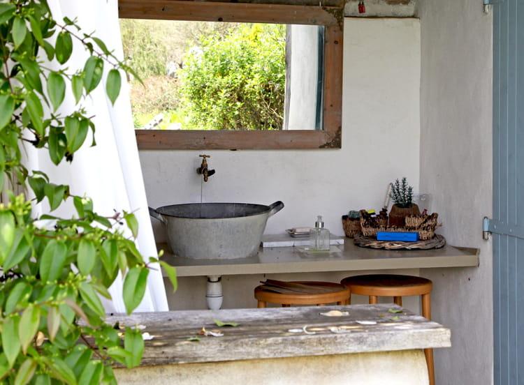 Un vier d 39 ext rieur recycl cuisine 8 beaux viers for Lavabo exterieur jardin