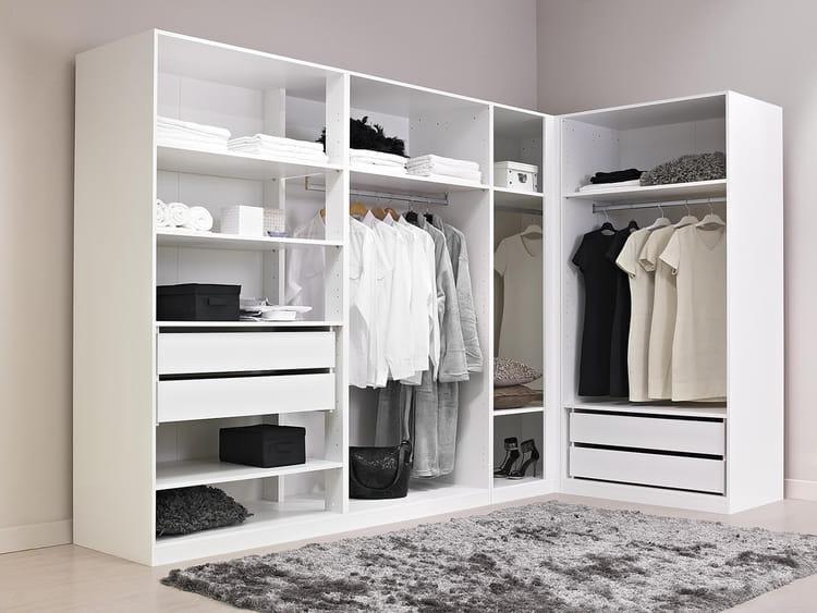 alin a dressing table de lit. Black Bedroom Furniture Sets. Home Design Ideas