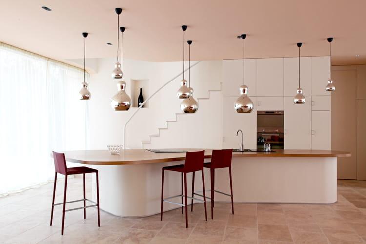 cuisine blanche contemporaine. Black Bedroom Furniture Sets. Home Design Ideas