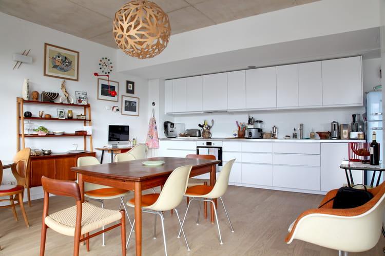 Cuisine blanche toute en longueur cuisine blanche 40 for Decorer cuisine toute blanche