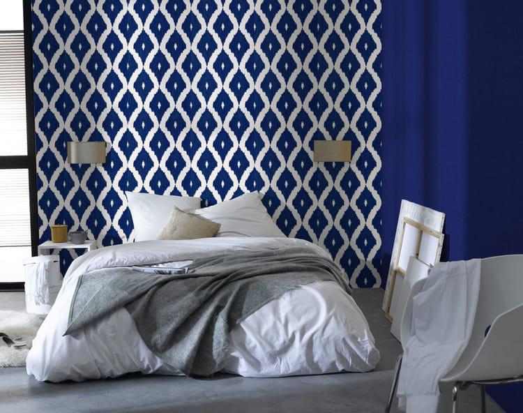 Du bleu indigo pour ma d co journal des femmes for Papier peint 4 murs pour salon