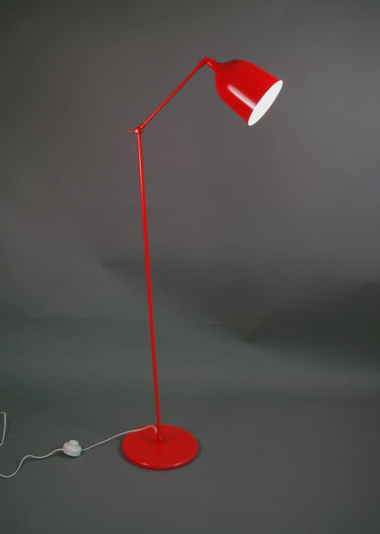le lampadaire industriel color je veux un lampadaire industriel articul journal des femmes. Black Bedroom Furniture Sets. Home Design Ideas
