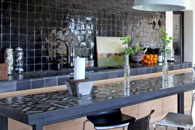 plan de travail de cuisine 35 mod les sur mesure copier journal des femmes. Black Bedroom Furniture Sets. Home Design Ideas