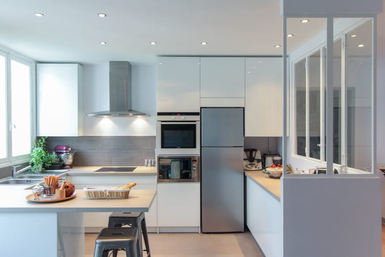 cuisine moderne avec verri re. Black Bedroom Furniture Sets. Home Design Ideas