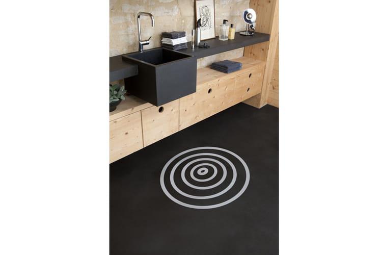 peinture sol de v33 quel rev tement pour ma salle de bains journal des femmes. Black Bedroom Furniture Sets. Home Design Ideas