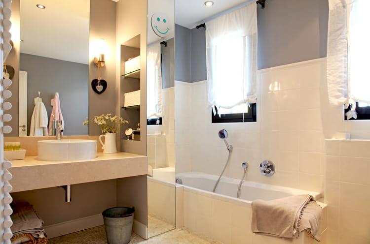 Salle de bains comment l 39 am nager la r nover et la d corer - Comment decorer la salle de bain ...