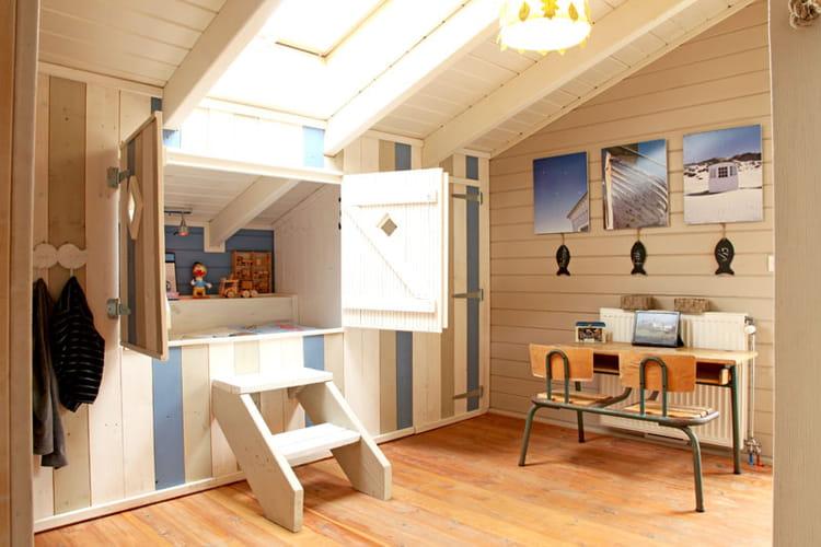 et lit cabane. Black Bedroom Furniture Sets. Home Design Ideas