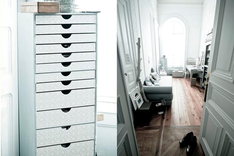 meubles customis s et bureau en longueur un appartement curieux po tique et raffin journal. Black Bedroom Furniture Sets. Home Design Ideas