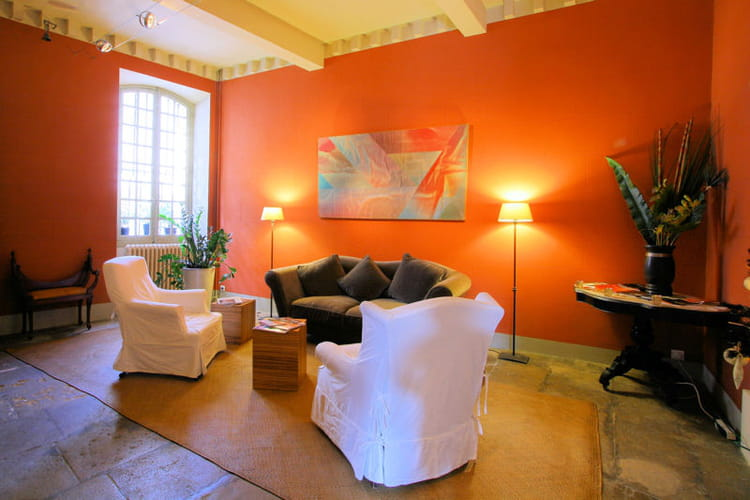 Un salon accueillant la couleur d co du mois l 39 orange for Voir salon deco