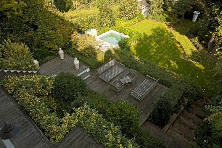 Am nagement d 39 une butte ou terrain en pente puyricard proche aix jard - Amenagement jardin en pente ...