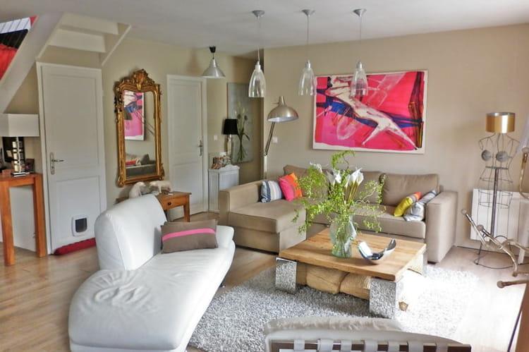 salon cocooning beige trendy salon cocooning beige rideaux couleur chambre rideaux with salon. Black Bedroom Furniture Sets. Home Design Ideas