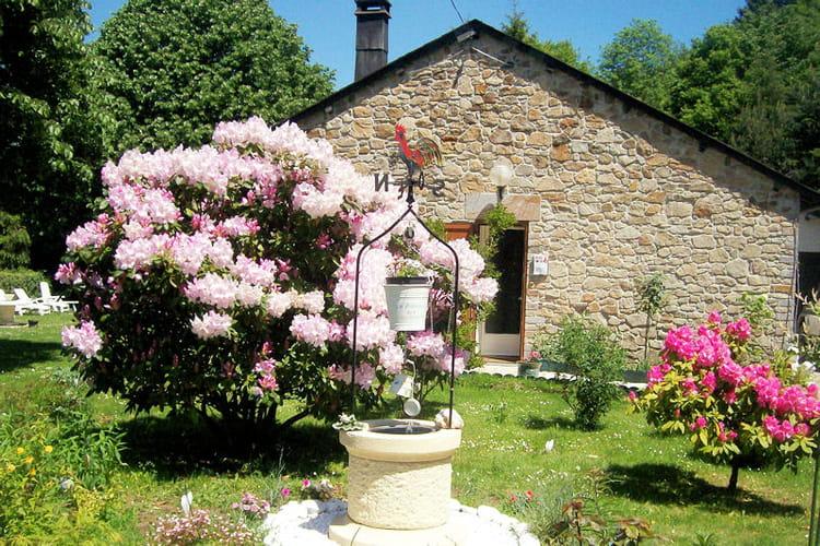 Un puits au milieu du jardin vos plus beaux jardins en for Creuser puit jardin
