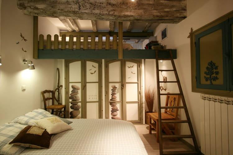 Une chambre d 39 amis fa on grange combles et greniers for Decoration chambre d amis