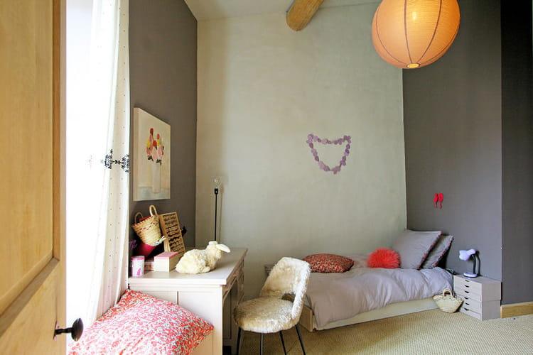 Salon Couleur Taupe Et Beige : Grège, violet et bleu  Des chambres denfant à croquer  Journal