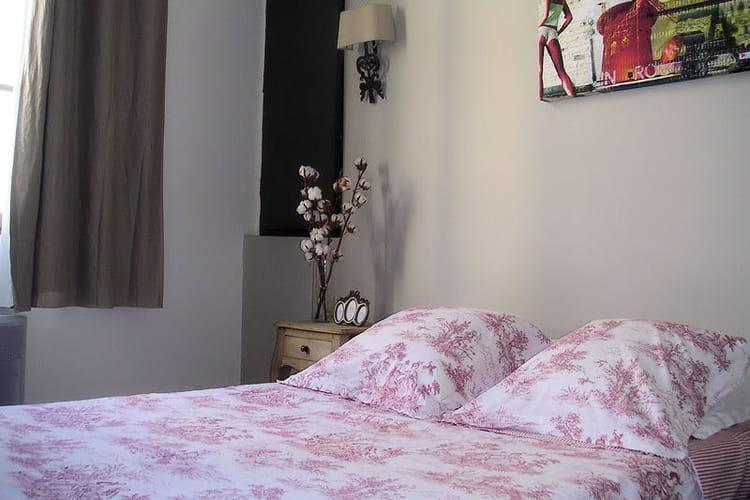 une chambre romantique visitez la maison d 39 anne sophie journal des femmes. Black Bedroom Furniture Sets. Home Design Ideas