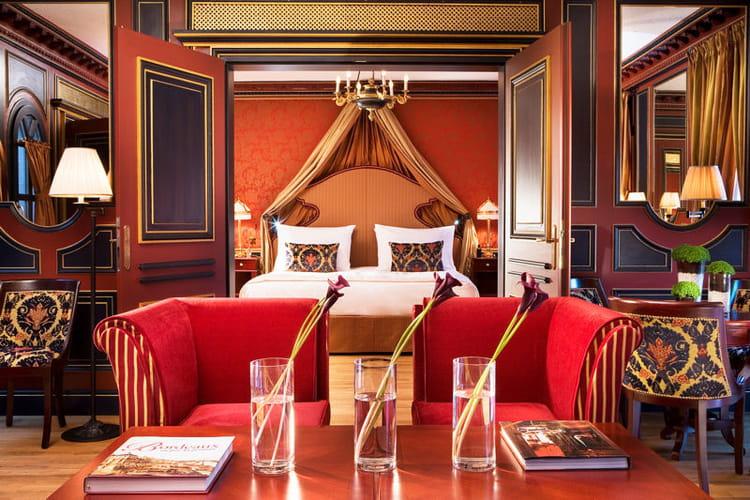 La suite royale le luxe l 39 tat pur le grand h tel de for Hotel de luxe bordeaux