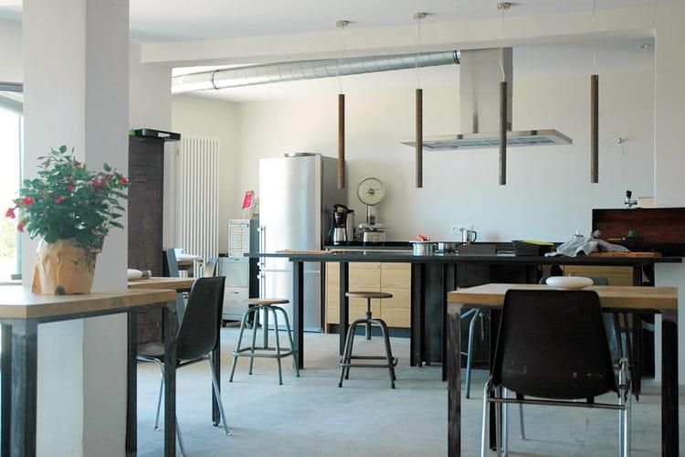 Une cuisine spacieuse l 39 esprit industriel une - L esprit cuisine laval ...