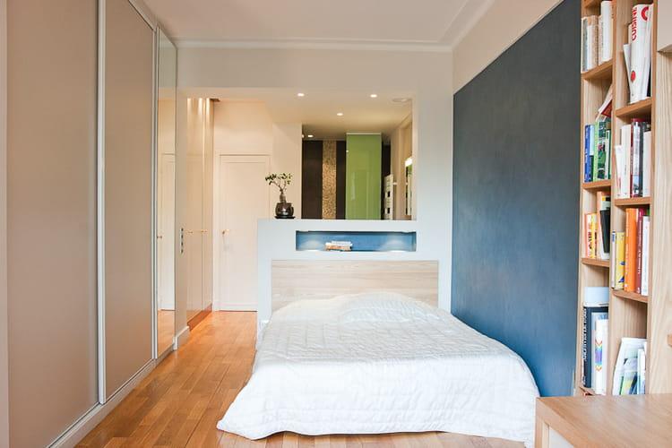 une chambre en enfilade un petit loft la d co zen journal des femmes. Black Bedroom Furniture Sets. Home Design Ideas