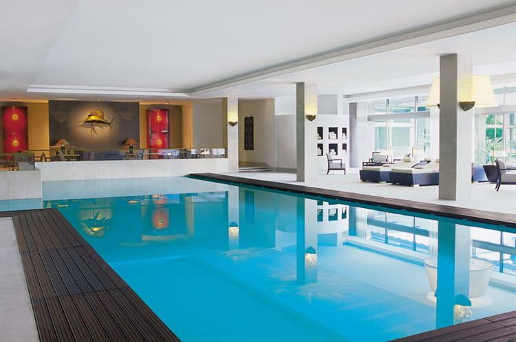 Piscine bien tre et relaxation bienvenue au four for Hotel design piscine lisbonne