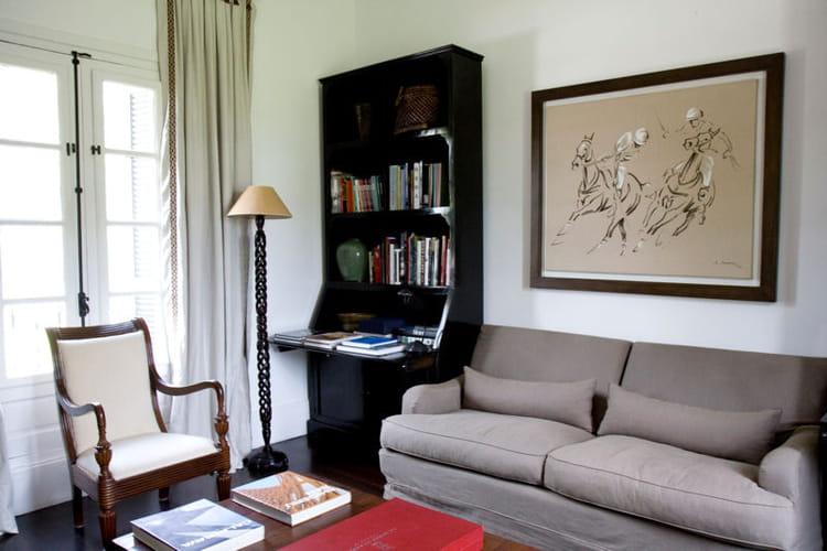 un coin biblioth que arty en argentine d paysement dans une estancia la d co l gante. Black Bedroom Furniture Sets. Home Design Ideas