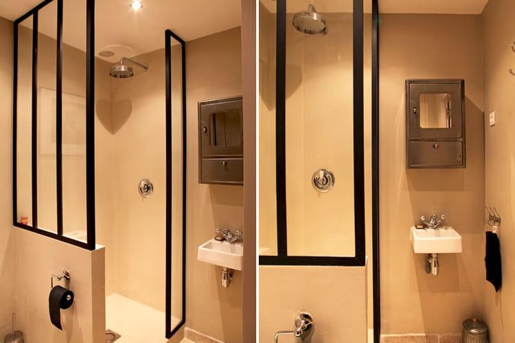 petite salle d 39 eau d co blanche et lumi re dans une maison du sud journal des femmes. Black Bedroom Furniture Sets. Home Design Ideas