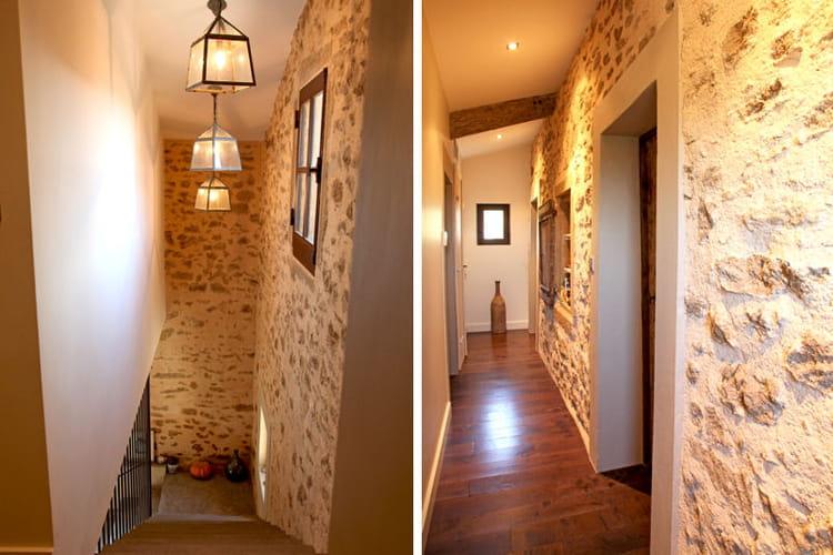 Un ancien mur ext rieur en pierres maison en pierre for Exterieur maison en pierre
