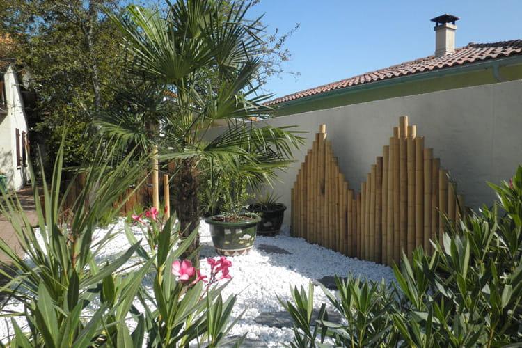 cr ation d 39 un massif min ral un jardin japonais facile entretenir journal des femmes. Black Bedroom Furniture Sets. Home Design Ideas