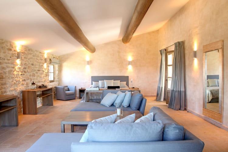Chambre Bebe Jaune Orange : Chambre couleur ciel  Une bastide habillée de pierres en Luberon