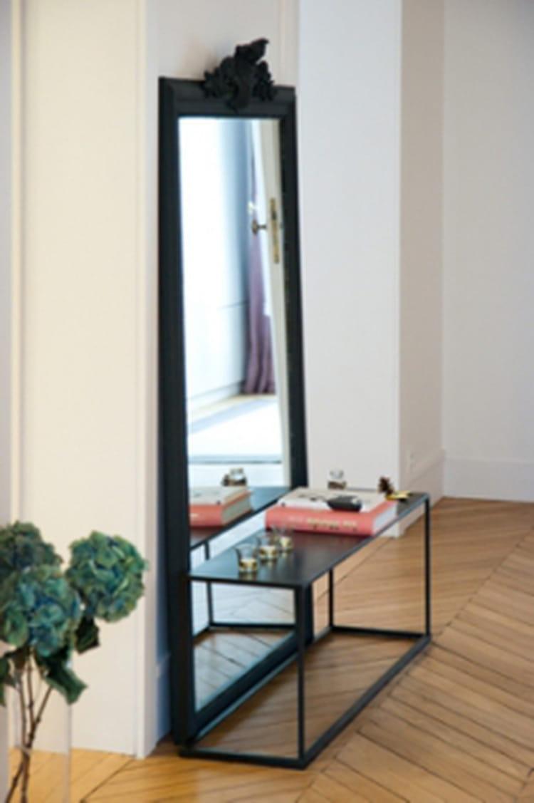 Comment placer un miroir - Comment coller un miroir au mur ...