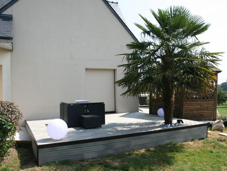 Apr s une salle manger de jardin une terrasse am nag e dans un style design journal des - Terras amenagee ...