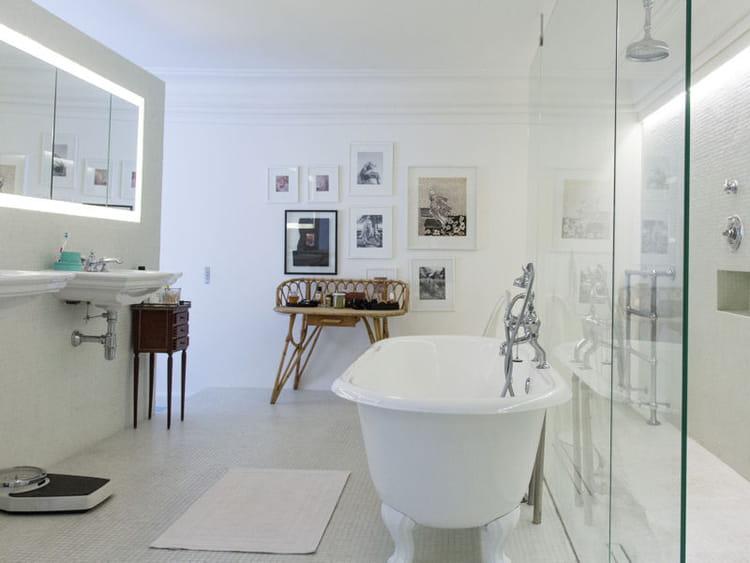 Salle de bains blanche salle de bains 80 id es top piquer aux d corateurs journal des femmes - Salle de bain toute blanche ...