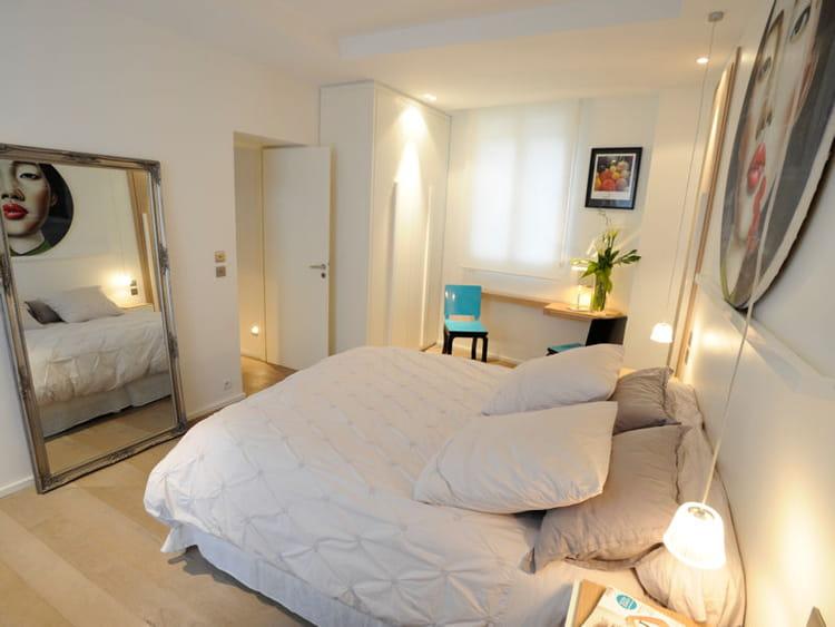 Toile blanche et d co artistique chambre blanche 40 id es pour une d co fra che journal - Deco chambre blanche ...