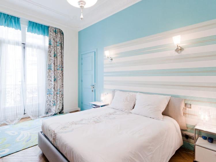 t te de lit ray e 50 id es originales pour refaire sa t te de lit journal des femmes. Black Bedroom Furniture Sets. Home Design Ideas