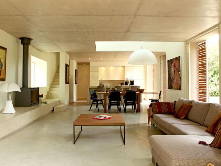 lignes contemporaines maison contemporaine en pleine nature journal des femmes. Black Bedroom Furniture Sets. Home Design Ideas