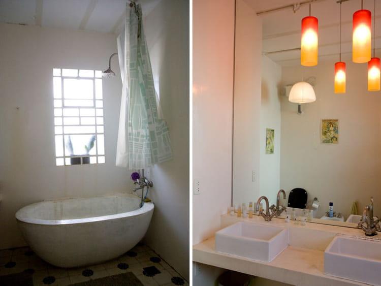 Salle de bains l 39 ancienne un appartement avec une for Salle de bain ancienne