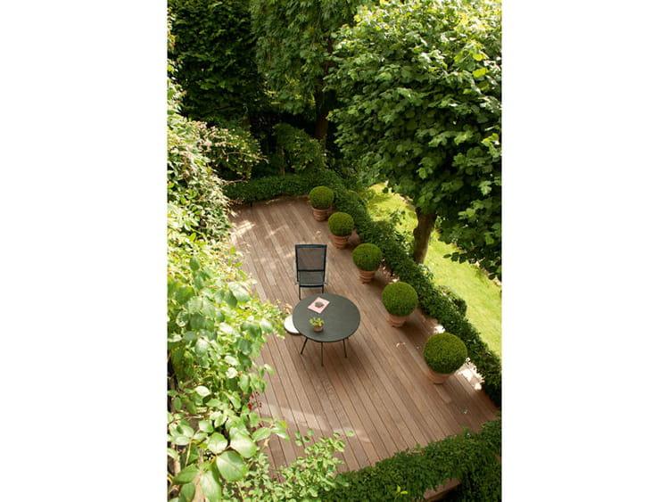 Sur la terrasse des topiaires un jardin en pente plein - Deco jardin journal des femmes toulouse ...