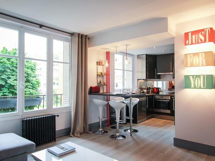 une nouvelle cuisine ouverte sur le salon avant apr s un int rieur remis neuf et. Black Bedroom Furniture Sets. Home Design Ideas
