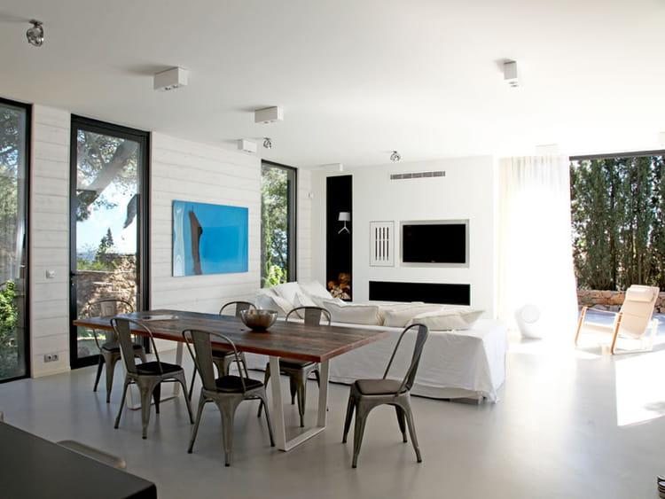 une grande pi ce vivre demeure de r ve en bord de mer journal des femmes. Black Bedroom Furniture Sets. Home Design Ideas