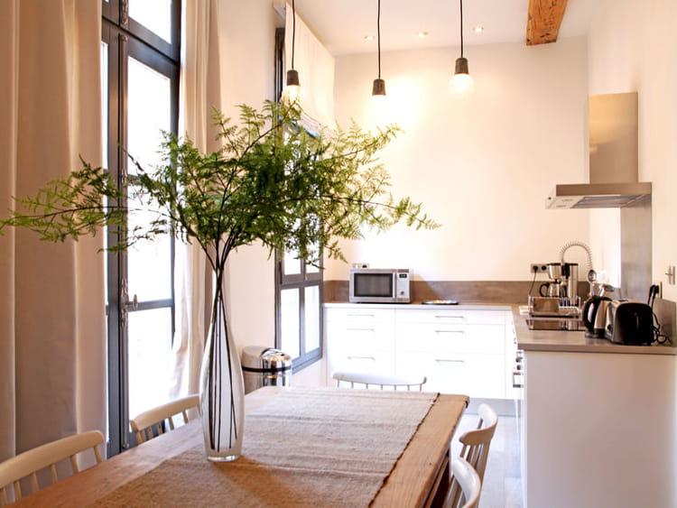 Une cuisine ouverte dans un recoin 40 cuisines ouvertes for Cuisine ouverte dans un studio
