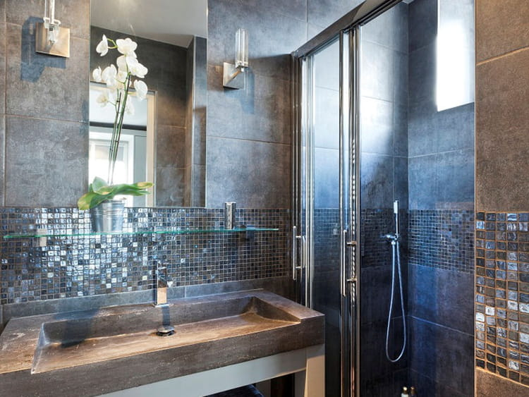 une mosa que en cr dence salle de bains la mosa que cr e l 39 ambiance journal des femmes. Black Bedroom Furniture Sets. Home Design Ideas