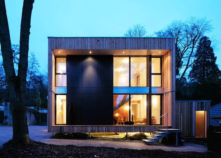 la maison cube en m l ze le palmar s du salon maison bois 2013 journal des femmes. Black Bedroom Furniture Sets. Home Design Ideas