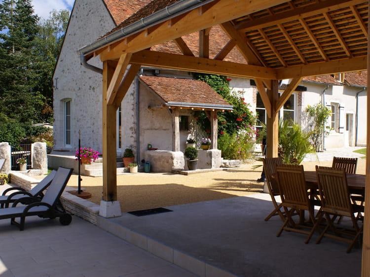 le pool house un jardin qui sublime une belle demeure journal des femmes. Black Bedroom Furniture Sets. Home Design Ideas