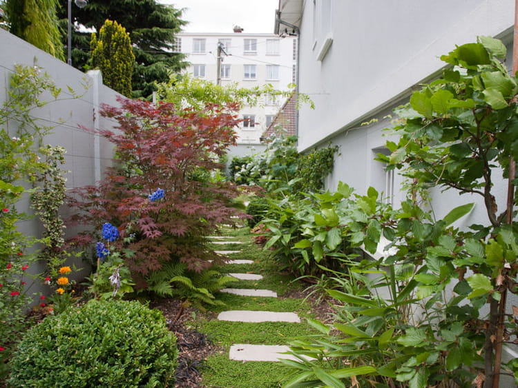 Un jardin de ville pav des jardins de ville qu 39 on envie - Amenager un petit jardin de ville ...