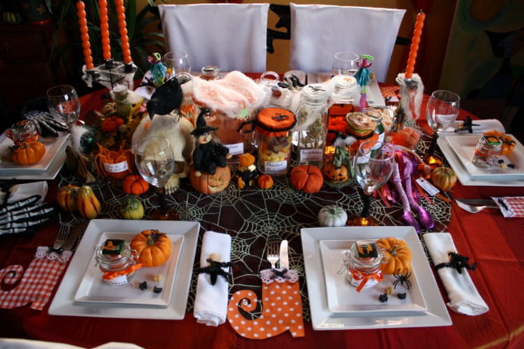 Table de f te une d co d 39 halloween d lirante - Deco de table halloween a faire soi meme ...