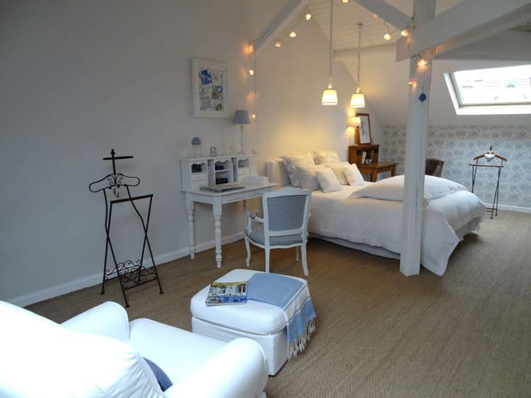 bleu pastel vos plus belles chambres romantiques. Black Bedroom Furniture Sets. Home Design Ideas