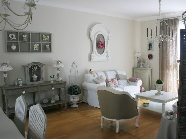 maison valerie ameublement. Black Bedroom Furniture Sets. Home Design Ideas