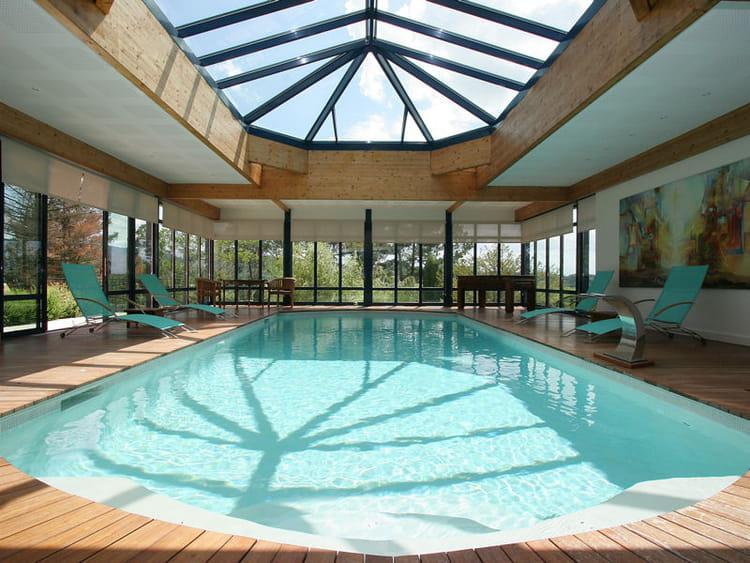 piscine int rieure troph e d 39 argent troph es de la piscine 2013 les plus belles piscines. Black Bedroom Furniture Sets. Home Design Ideas