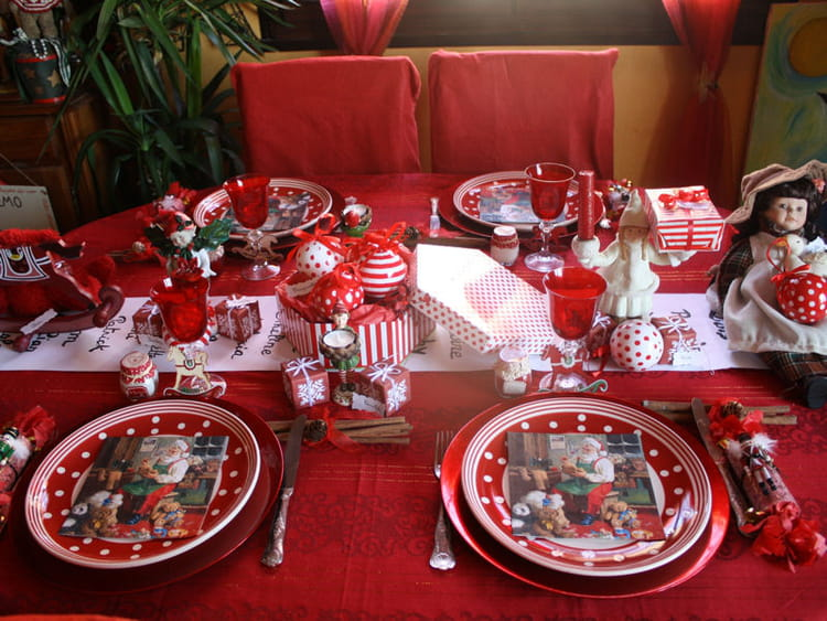 Table de no l rouge quelle d co pour ma table de no l for Decoration de noel pour table